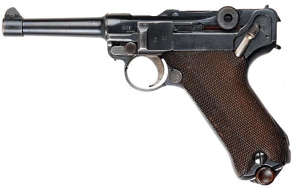 Пистолет Luger P08 под патрон 9x19 мм