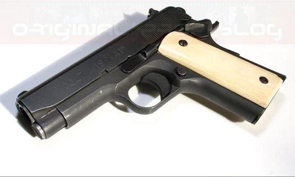 Colt M1991A1 Series 80 Officers ACP из фильма Схватка